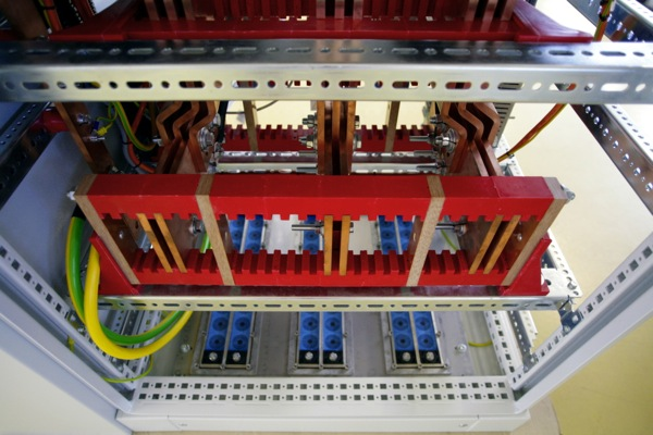 Power distribution cabinet by EASYS Electronics