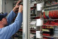 EASYS Electronics Schaltschrank in der Fertigung